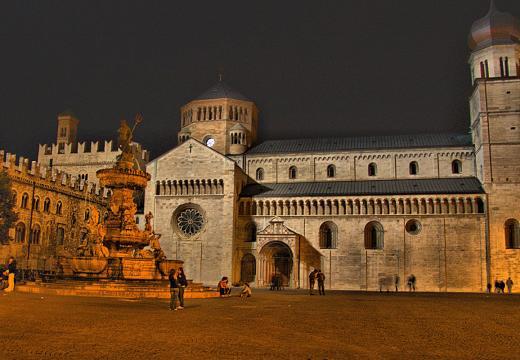 La piazza Duomo di Trento